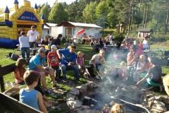 019_Kindergartenfest mit Stockbrot und Huepfburg